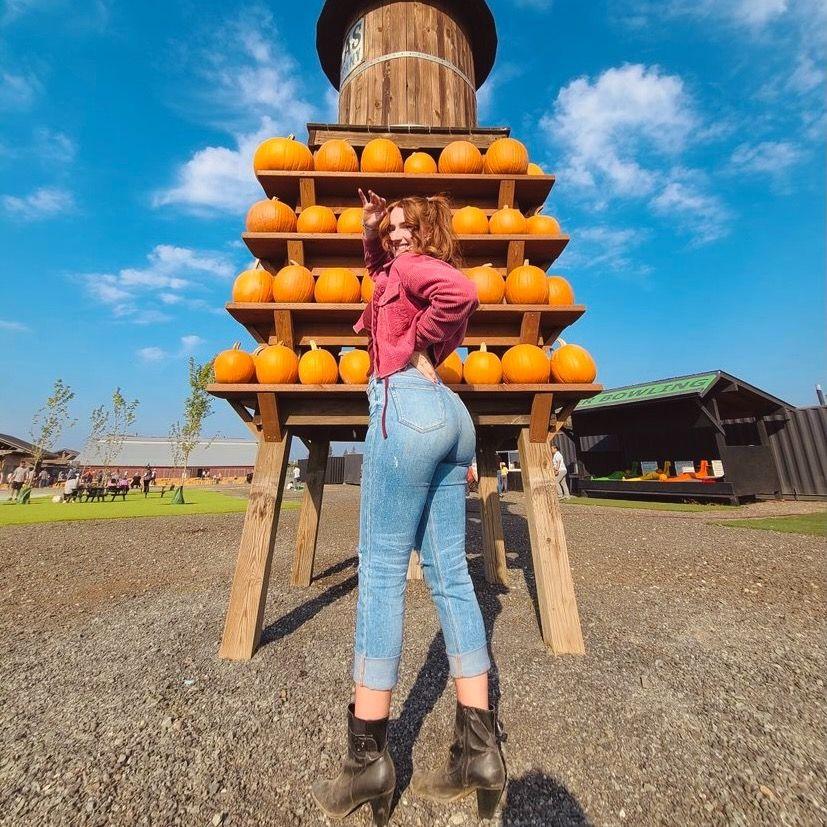 Nicole Fuller's Avatar